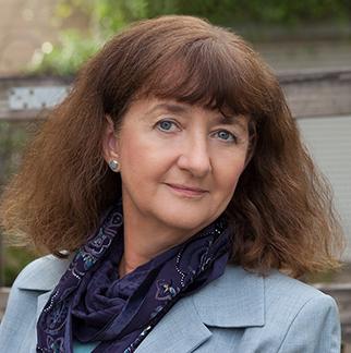 Headshot of Karen Kersting.
