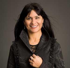 Cecilia Martinez-Gil headshot